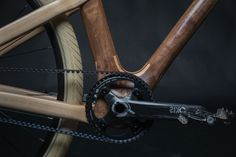 Wooden bicycles are nothing new, we have seen plenty of styles over the last couple of years, but what Mike Pecsok from Grainworks is doing speaks for itself. The stunning AnalogOne.One is a beautifully carved wooden bicycle custom built to fit your Wooden Bicycle, Wood Bike, Mtb, New Electric Bike, Crossbow Hunting, Crossbow Arrows, Push Bikes, Fixed Gear Bicycle, Grid Design