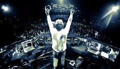 Lagu-lagu DJ remix yang enak untuk dugem atau clubbing -> http://www.venelova.com/musik/38-daftar-lagu-dj-remix-dugem-clubbing-dance-terbaik-2016.html