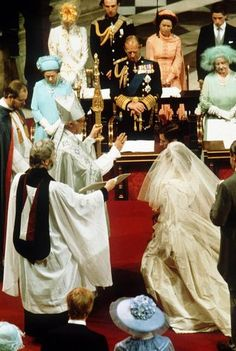 Wedding of HRH Prince Charles of Wales to Lady Diana Spencer, Rt Rev & Rt Hon Dr Robert Runcie, Archbishop of Canterbury Officiating in St Paul's Cathedral, London on 29 July 1981 Charles And Diana Wedding, Prince Charles And Diana, Royal Brides, Royal Weddings, Princess Diana Wedding Dress, Royal Wedding 1981, Diana Memorial, Prinz Charles, Lady Diana Spencer