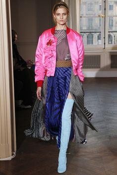 #Schiaparelli   #fashion  #Koshchenets Schiaparelli Spring 2017 Couture Collection Photos - Vogue