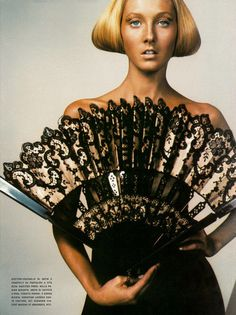 Vogue Italia March 1999 From the Couture Supplement Ph:Craig McDean St:Brana Wolf M:Karen Elson & Maggie Rizer Hair:Eugene Souleiman Make-Upat McGrath Craig Mcdean, Antique Fans, Vintage Fans, Hand Held Fan, Hand Fans, Karen Elson, Piercing, Fan Decoration, Umbrellas Parasols