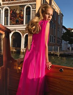Top model Anna Ewers is styled by Emmanuelle Alt in perfect for Venice designs, lensed by Inez van Lamsweerde and Vinoodh Matadin for Vogue Paris November 2017./ Hair by Malcolm Edwards; makeup by Val Garland  https://www.anneofcarversville.com/style-photos/2017/10/21/kg6zcqp0duf0da1ap8l2uvoph8mere