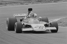1973-Gijs-van-Lennep-drives-race-number-26-from-Iso-Marlboro-Ford-at-Dutch-GP.jpg (500×333)