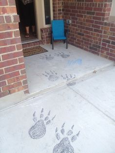 DO A SCAVENGER HUNT Brave party! Bear foot prints with chalk