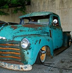 love the blue and rust colors!