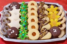8 aprósütemény egy tésztából Hungarian Cookies, Hungarian Desserts, Hungarian Recipes, Galletas Cookies, Holiday Cookies, Cake Cookies, Sugar Cookies, Mini Christmas Cakes, Christmas Treats
