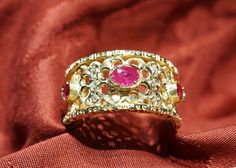 "Venetian traforo band ring ""Rubies"" Hand-engraving band ring in yellow gold 18 kt. diamonds and rubies – DOGALE Jewellery Venice Italy"