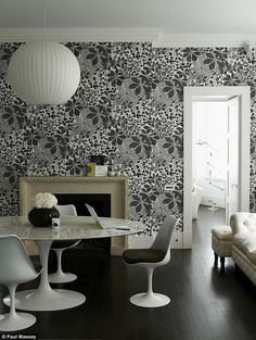 Marthe Armitage by decor8, via Flickr - I just love this wallpaper