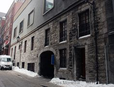 Simon-McTavish House Image Montreal, pictures and information and history Montreal Ville, Montreal Quebec, Montreal Canada, Old Pictures, Old Photos, Far Away, The Neighbourhood, Architecture, Street