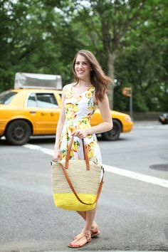 Blogger Brooke du jour takes a stroll in Central Park with her Gap colorblock tote.