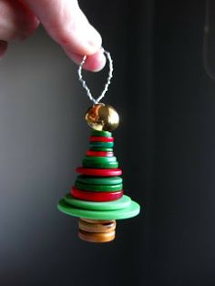 Turkishly Delightful: 25 Days of Ornaments: Button Christmas tree