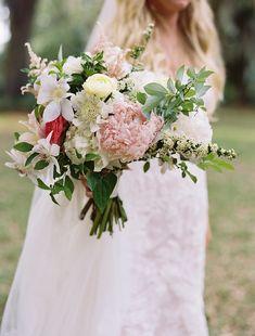 Photography : Tec Petaja Read More on SMP: http://www.stylemepretty.com/2015/04/09/coastal-south-carolina-private-plantation-wedding/