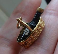 VINTAGE1977 HALLMARK 9CT 9 CARAT 9K GOLD BOTTLE OF WINE IN CARAFE BASKET CHARM in Jewellery & Watches, Fine Jewellery, Fine Charms & Charm Bracelets   eBay