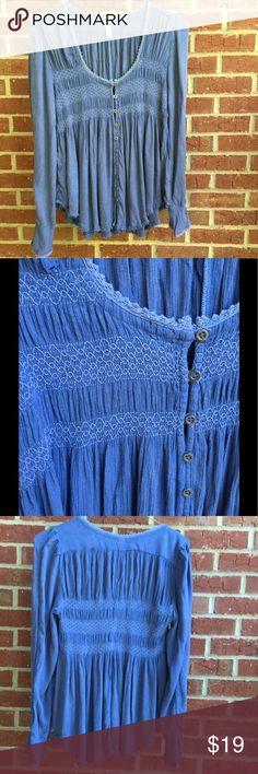 🌼FREE PEOPLE TOP🌼 Wonderful blue free people shirt! Fantastic detail on this top!! Free People Tops