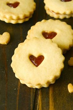 Jammie dodger cookies are a National favorite of England. Shortbread cookies sandwiched with raspberry jam. Shortbread Biscuits, Biscuit Cookies, Sandwich Cookies, Baking Biscuits, Baking Recipes, Cookie Recipes, Dessert Recipes, Macarons, British Biscuits