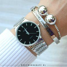 Dit chique horloge past bij elke gelegenheid. Combineer dit horloge met jouw favoriete armcandy of gewoon classy alleen om je pols. www.modewannahave.nl
