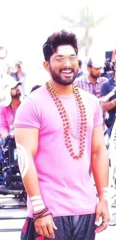 New trending allu Arjun amazing pic collection 2019 - Inofy Dj Movie, Movie Photo, Actor Picture, Actor Photo, New Movies List, Movie List, Allu Arjun Hairstyle, Indian Army Wallpapers, Allu Arjun Wallpapers