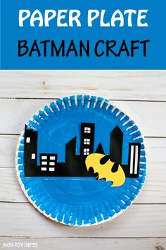 Paper plate Batman craft for kids - - Is your kid into superheroes? Then check out this fun paper plate Batman craft. Batman can fly over Gotham City to protect it. Paper Plate Crafts For Kids, Craft Projects For Kids, Crafts For Kids To Make, Kids Crafts, Craft Ideas, Easter Crafts, Batman Crafts, Superhero Art Projects, Gotham City