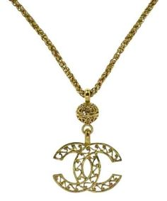 Pre owned chanel necklace pendant jumbo cc logo square baguette gold vintage cc logo necklace chanel pendantchanel aloadofball Images
