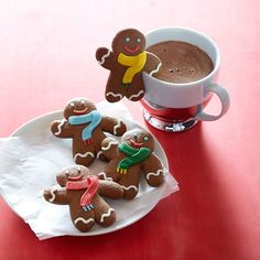 Williams-Sonoma Gingerbread Folks Mug Toppers ~ Set of 4 cookies individually wrapped, 1.4 oz. each.  Designed to perch right on the edge of mugs.  Prepared using a traditional gingerbread recipe and finished with charming iced details. ♥