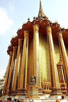 Visiting the Grand Palace in Bangkok, Thailand
