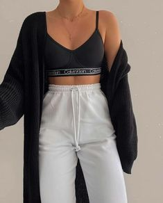 Cute Lazy Outfits, Chill Outfits, Sporty Outfits, Teen Fashion Outfits, Simple Outfits, Look Fashion, Stylish Outfits, 80s Fashion, Fashion Jobs