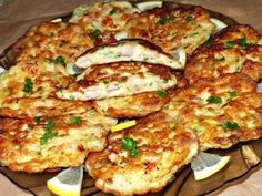 Cooking delicious chicken cutlets in French. Easy Chicken Cutlet Recipes, Beef Recipes, Cooking Recipes, Recipe Chicken, Easy Dinner Recipes, Easy Meals, Czech Recipes, Chicken Cutlets, Yum Yum Chicken