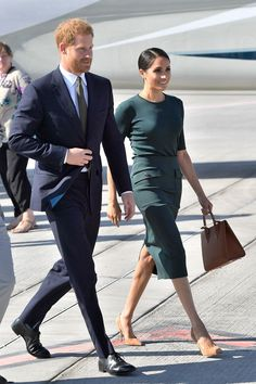 Meghan Markle's Green Givenchy Skirt and Top for Her Official Visit to Ireland - Duchess of Sussex Arrives in Dublin