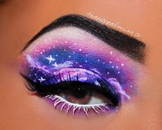 Paint a picture with your makeup - in this case a starry galaxy. With makeup this bold, forget the lipstick. - Paint a picture with your makeup – in this case a starry galaxy. With makeup this bold, forget the lipstick. Eye Makeup Designs, Eye Makeup Art, Eye Makeup Tips, Eyeshadow Makeup, Makeup Drawing, Eye Art, Crazy Makeup, Cute Makeup, Pretty Makeup