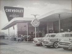 740 Vintage Automobile Dealerships Ideas In 2021 Car Dealership Dealership Used Car Lots