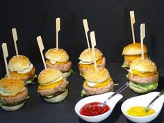 Mini hamburguesas de pollo caseras - La Cocina de Loli Domínguez - YouTube