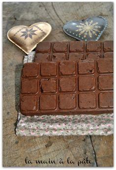 Tablette de chocolat croustillante au caramel et au Nutella