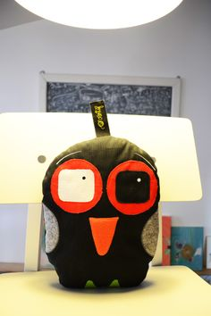 "Design by Traian Vârtej - ""Mariana la bec"""