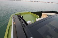Revolver 42 Powerboat-Design aus Italien | Studio5555