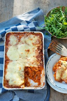 "Het lekkerste recept voor ""Pompoenlasagne"" vind je bij njam! Ontdek nu meer dan duizenden smakelijke njam!-recepten voor alledaags kookplezier! I Want Food, Love Food, A Food, Food And Drink, No Carb Recipes, Healthy Recipes, Food Porn, Comfort Food, Special Recipes"