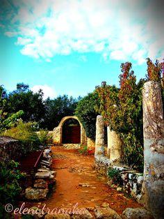 Ελένη Τράνακα: Αναφωνήτρια Μοναστήρι, Ζάκυνθος / Anafonitria Monastery, Zakynthos