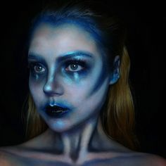 Alien sfx makeup look (blue makeup eyes eyebrows glitter contour highlight glow brows) @hollymelville on ig