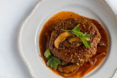 Keto Salisbury Steak with Mushroom Gravy Recipe - Net Carbs - KetoFocus 30 Min Meals, Quick Meals, Salisbury Steak With Mushroom Gravy Recipe, Onion Gravy, Dinner Recipes, Dinner Ideas, Beef Recipes, Stuffed Mushrooms, Cooking