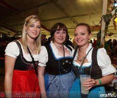 Brauhausfest in #Oberstreu mit den #Partyvögeln - 122 Fotos  #dirndl