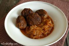 Meatballs with Onion Casserole, a Greek Old Traditional Recipe ⋆ Cook Eat Up! Oven Chicken Recipes, Meat Recipes, Cooking Recipes, Greek Dinners, Cookbook Recipes, Mediterranean Recipes, Greek Recipes, Carne, Food Porn