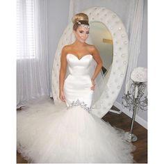 Wedding dress and a half. Pic via @ramina_xo #wedding #weddingdress #bride #white #bridalfashion
