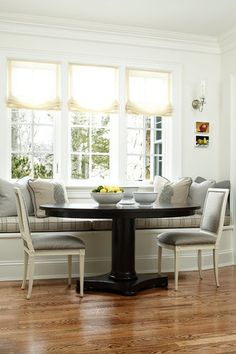 Dining areas are perfect places to get creative with color, pattern, lighting, and seating options, including one of our favorites: the banquette. Breakfast Nook Cushions, Breakfast Nooks, Kitchen Nook, Kitchen Banquette, Banquette Seating, Kitchen Ideas, Dining Nook, Kitchen Remodel, Kitchen Design
