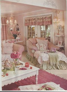 What's in colors? Colors may affect the atmosphere. For shabby cottage chic, one wants warm colors that foster happy moods and comfy ambiance. Color It Happy, Shabby Chic Living Room, Pink Living Room, Shabby Chic Pink, Chic Home, Chic Decor, Chic Bedroom, Shabby Cottage, Shabby Chic Bedrooms, Shabby Chic Furniture