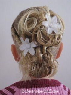 DIY Wedding Hair  : DIY Flower Girl Hairstyle