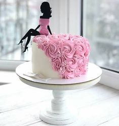 Best 12 Colourful flower cake with a female silhouette – Page 298715387781008374 – SkillOfKing. 21st Birthday Cakes, Happy Birthday Cake Topper, Birthday Cakes For Women, Bolo Glamour, Bolo Paris, Flower Cake Toppers, Silhouette Cake, Wedding Cakes With Flowers, Cake Decorating Techniques