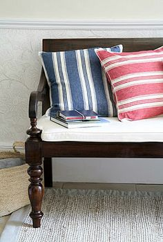 (More) Benches Foyer Bench, Sofa Bench, Entryway, Bench Swing, Home And Living, Living Room, Inspired Homes, Mudroom, Interior Design