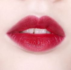 A-Lister: 16 Best-selling Lip Products : A-Lister: 16 Best-selling Lip Products - Beauty Gallery Korean Eye Makeup, Asian Makeup, Beauty Makeup Tips, Beauty Make Up, Seductive Makeup, Perfect Lips, Beautiful Lips, Pink Lips, Makeup Junkie