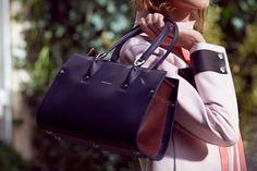 ضمن مجموعة City Blossom أطلقت دار لونشان Longchamp مجموعتها الجديدة من حقائب اليد والتي أزدانت...