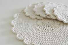 ...Handy Crafter...: Shabby Chic Doilies and Placemats