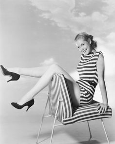 The 1950s Screen Sirens Whose Coiffed Curls We Still Love..Elizabeth Montgomery